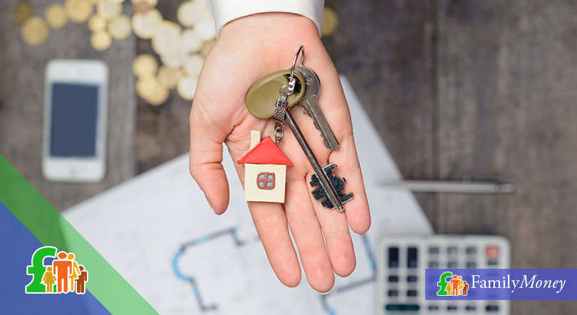 Exchanging house keys while dating