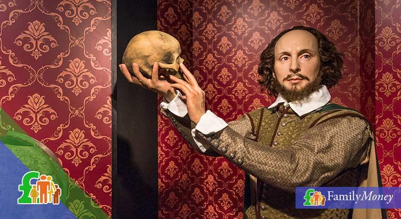 Shakespeare showing a skull - Family Money